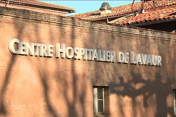 La direction de l'hôpital a passé la soirée de mercredi à organiser le retour de personnels pour assurer la garde du week-end du nouvel an.