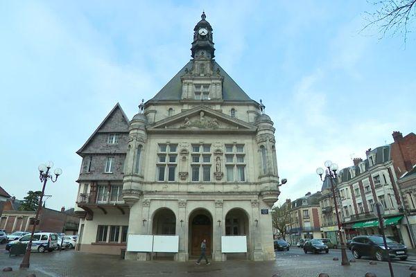 La mairie de Péronne dans la Somme, mars 2020