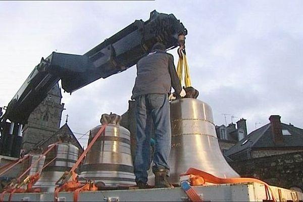 Les cloches de Notre-Dame de Paris quittent Villedieu-les-Poêles, 31 janvier 2013