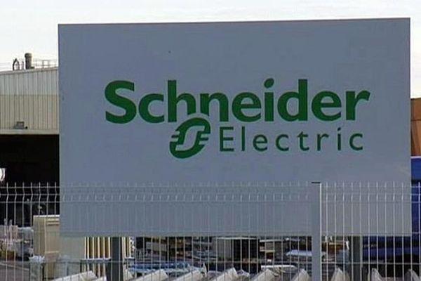 Fabrègues (Hérault) - l'entreprise Schneider Electric - archives