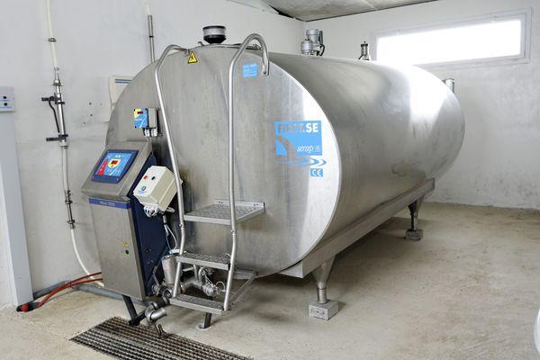 Des tanks à lait contaminés aux antibiotiques, la justice a été saisie.