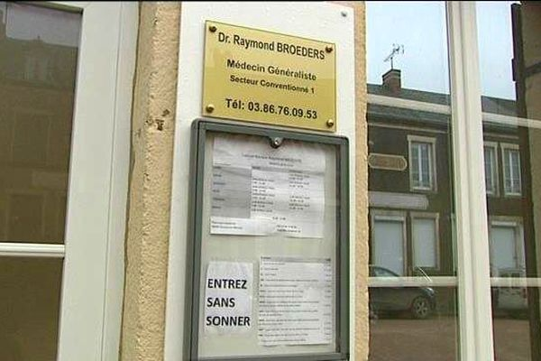 Raymond Broeders a quitté ses 2 500 patients des Pays-Bas pour venir s'installer à Ouroux-en-Morvan, dans la Nièvre.