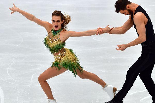 Les Clermontois Gabriella Papadakis et Guillaume Cizeron se classent largement 1er au programme court de danse aux championnats d'Europe (Moscou), ce vendredi 19 janvier 2018.