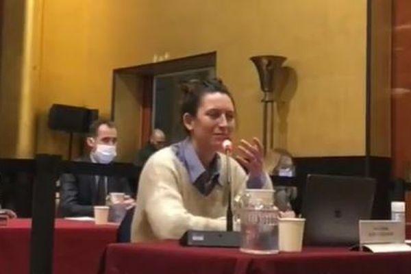 Pauline Rapilly-Ferniot lors de son intervention au conseil municipal de Boulogne le 11 février 2021.