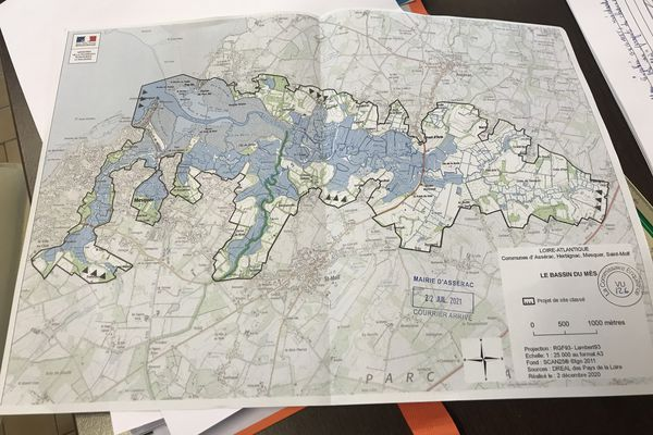 La cartographie du marais du Mès permet de visualiser le périmètre du territoire et les éléments géographiques.