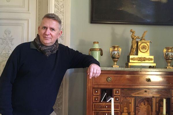Jean-Luc Montois, guide et propriétaire du palais de la Cathédrale de Saint-Omer