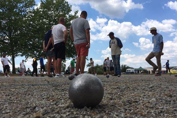 Plus de 500 boulistes se sont retrouvés sur le terrain de Millepertuis, à Yzeure (Allier) les 8 et 9 juillet 2018.