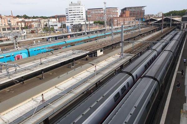 A Toulouse-Matabiau, le trafic est interrompu en provenance de Auch et ce, jusqu'au 13 novembre.