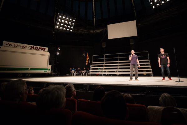 La pièce de théâtre met en scène les supporters lensois.