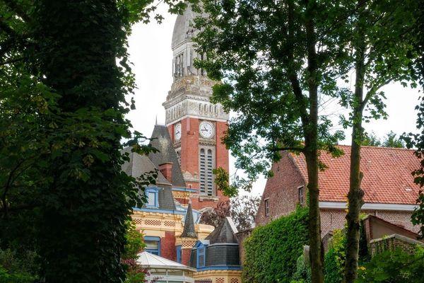 L'église St-Jean-Baptiste de Steenwerck aujourd'hui avant le début des travaux.