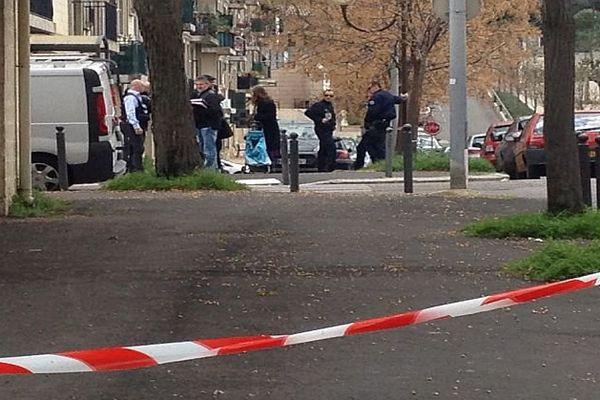 Montpellier - un jeune homme de 17 ans retrouvé mort rue Clémentville. Il aurait été battu puis jeté d'une voiture - 30 mars 2016.