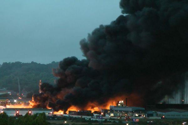 Rouen : incendie à l'usine Lubrizol