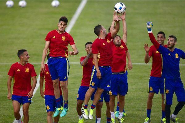 L'équipe nationale d'Espagne à l'entraînement à St-Martin-de-Ré.