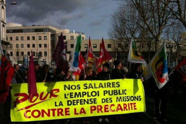 """""""Un salaire juste et pas juste un salaire"""", l'un des slogans-phares de la manifestation du 31 janvier dans la fonction publique à Clermont-Ferrand"""