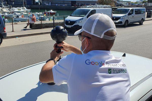 la voiture cartographie les rues à 360°