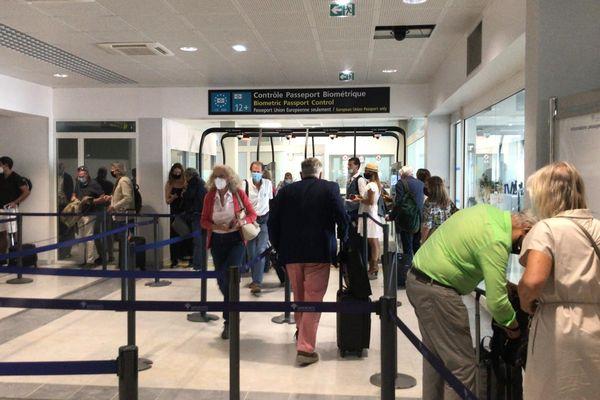 Le T1 de l'aéroport de Nice Côte d'Azur n'avait pas accueilli de visiteurs depuis la première vague de l'épidémie de Covid-19 en France en mars 2020