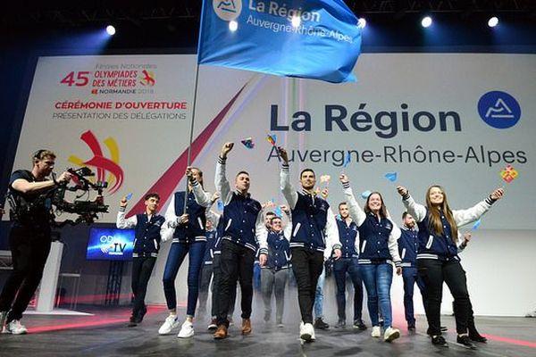 La délégation régionale revient de Caen avec 18 médailles, dont trois d'or en taille de pierre, en maintenance aéronautique, en solier.