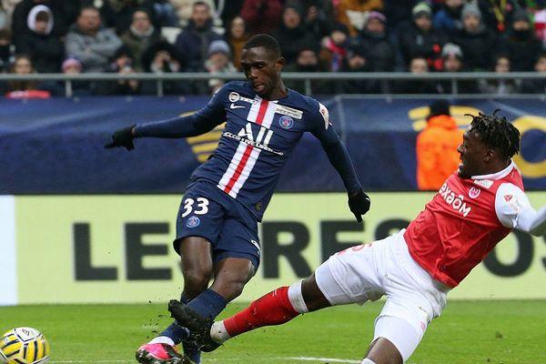 Tanguy Kouassi espoir du PSG entré à la 71 ième minute face à Reims a inscrit le 4.000e but de l'histoire du PSG, son premier but chez les professionnels.