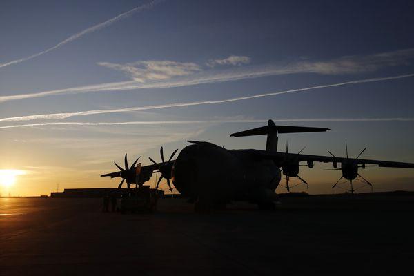 Un Airbus A400M avant le décollage