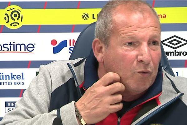 Roland Courbis, le co-entraîneur du Stade Malherbe de Caen, en conférence de presse le jeudi 9 mai 2019