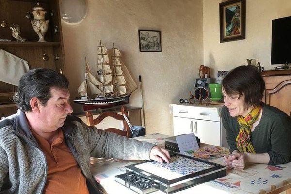 Jean-François et Alexandra, éducatrice à la pension de famille de Vendôme