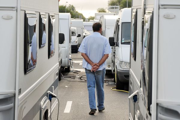 Les gens du voyage, comme tous les autres citoyens, doivent rester confinés sur les aires.
