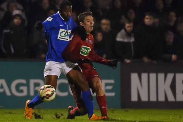 Herman Kore et Jessy Benet (à droite) lors du match Concarneau-Dijon le 20 janvier 2015.