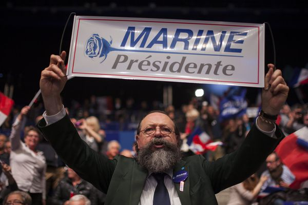 Un supporter du Front National lors du meeting de Marine Le Pen à Nantes, le 26 février 2017.