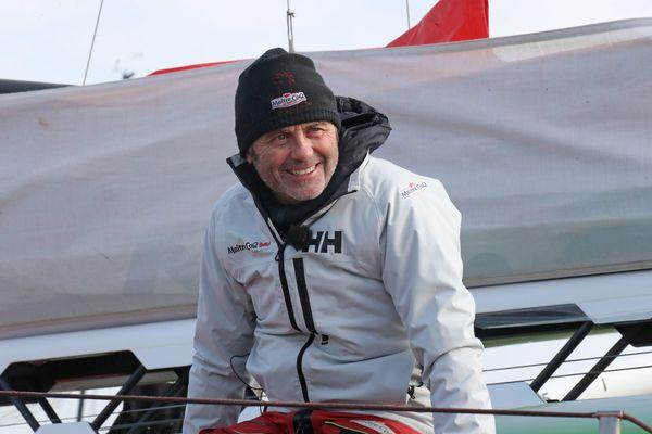 Le vainqueur du Vendée Globe s'envole à bord d'un Alphajet de la Patrouille de France