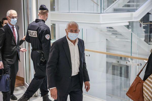 29 mars 2021 : Délibéré dans le procès Médiator au Palais de Justice de Paris : Jean Philippe SETA ancien numéro2 des laboratoires Servier sort de l'audience