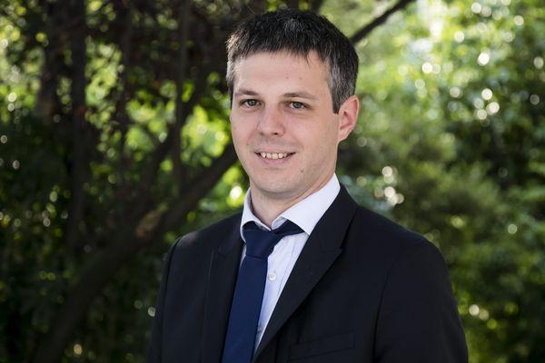 Loïc Kervran, député du Cher, lors de sa prise de fonction.