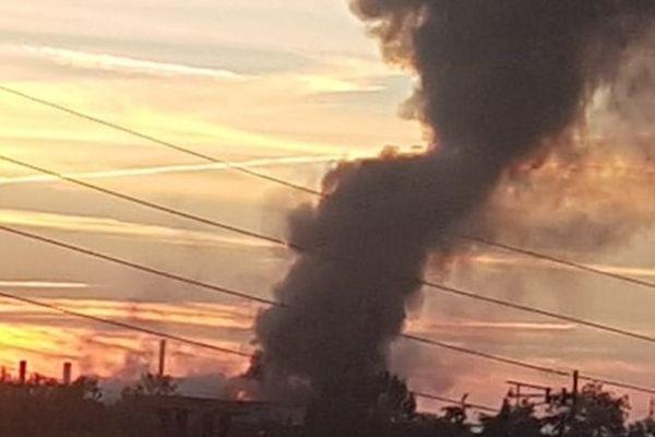 Photo de l'incendie prise près de Labruguière (81) le 26 septembre 2021.