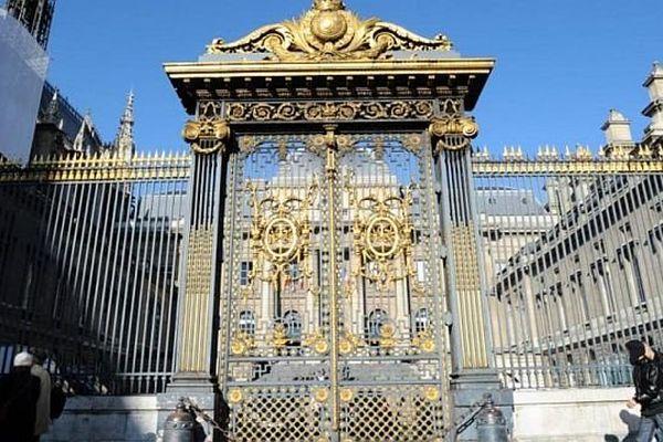 Paris - Palais de justice - archives