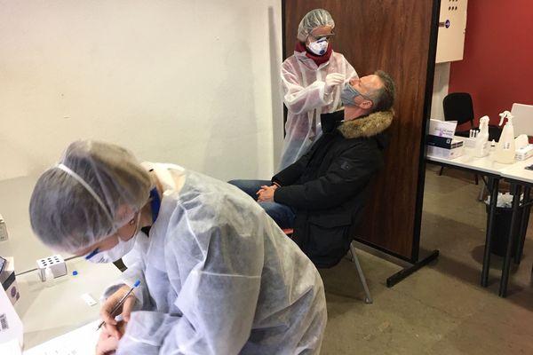 Les résultats des tests sont notés et seront communiqués à la CPAM de l'Isère