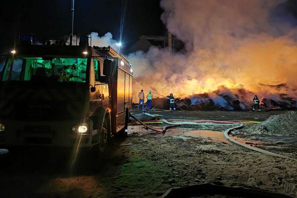 Les pompiers lorrains sont venus en renfort sur un incendie industriel au Luxembourg