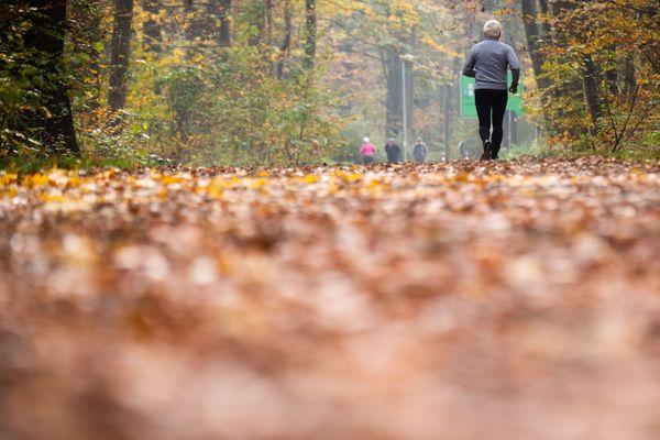 Le jogging, une des rares activités physiques que l'on puisse pratiquer pendant le confinement