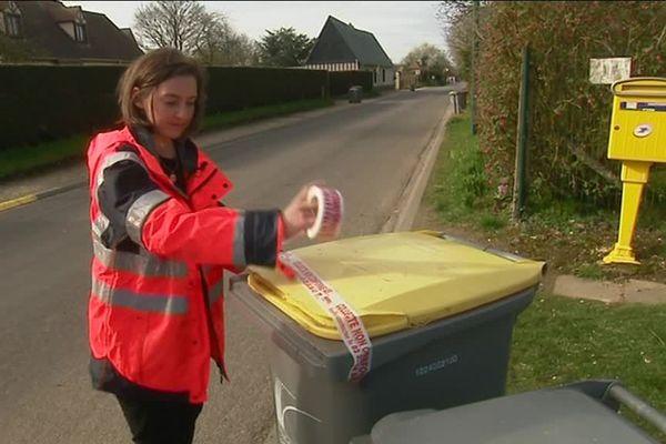 Vos poubelles mal triées ne sont pas ramassées mais scotchées!