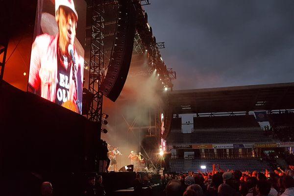 Plus de 20 000 personnes au Stade Marcel Michelin pour le premier concert dans son enceinte.