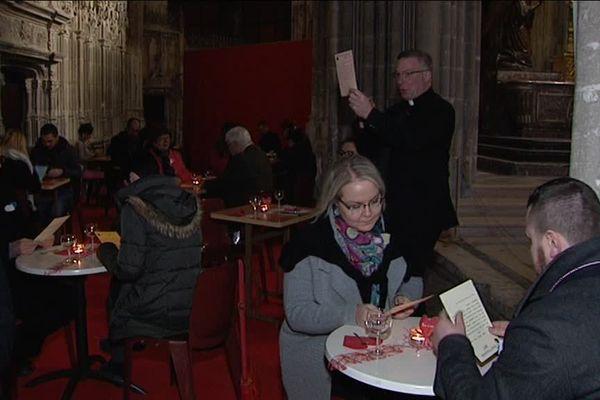 26 couples ont partagé un dîner de Saint-Valentin à l'église Saint-Jacques de Dieppe (Seine-Maritime)