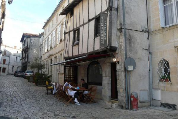 """Le centre-ville historique, appelé aussi le 'Vieux Cognac"""""""