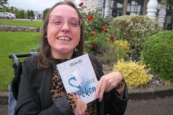 "Laura Devillard et son premier roman ""Broken"""