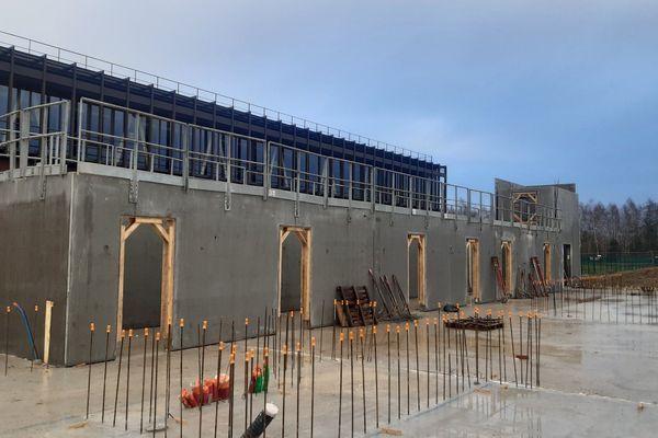 Les travaux avaient bien repris début d'année pour le constructeur Hemmerlé de Schleithal (Bas-Rhin). Exemple d'un chantier, le Périscolaire de Seltz.