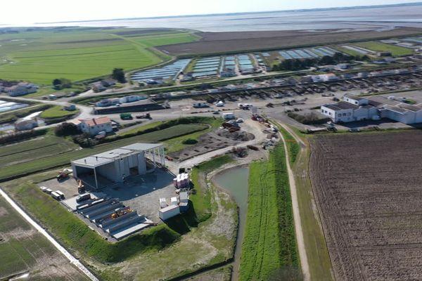 La station de production Lhyfe située à Bouin en Vendée, opérationnelle en septembre 2021, va produire plus de 300kg d'hydrogène vert chaque jour