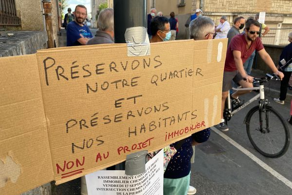 Les habitants du quartier du Pont-Neuf se mobilisent contre le projet immobilier défendu par Seixo Habitat.