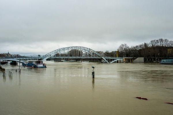 La Seine en crue, à Paris, mardi 23 janvier 2018