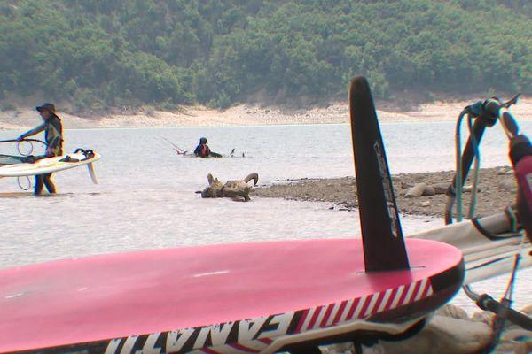 Les activités nautiques sont de nouveau autorisées sur le lac de Monteynard en Isère.