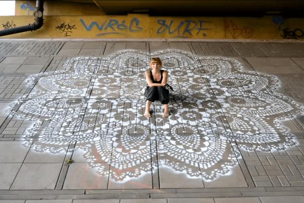 Nespoon, une artiste Polonaise passionnée de broderie