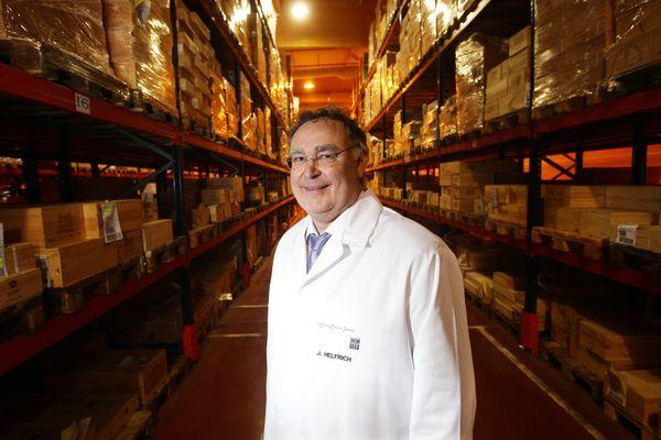 Joseph Helfrich, 65 ans, est le PDG des Grands Chais de France, grand vinificateur et premier exportateur français de vins et d'alcool. Il est mis en examen