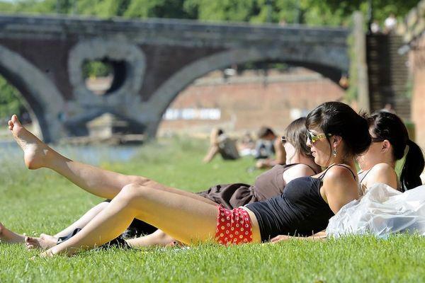 Les berges de la Garonne à Toulouse, haut-lieu des plus appréciés par les étudiant.e.s