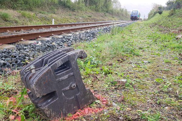 Le train a percuté un tracteur sans faire de blessés